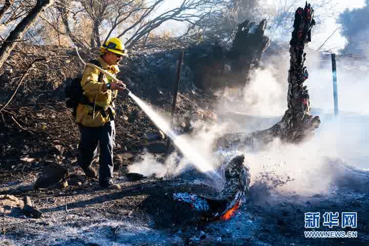 美国加州山火持续肆虐